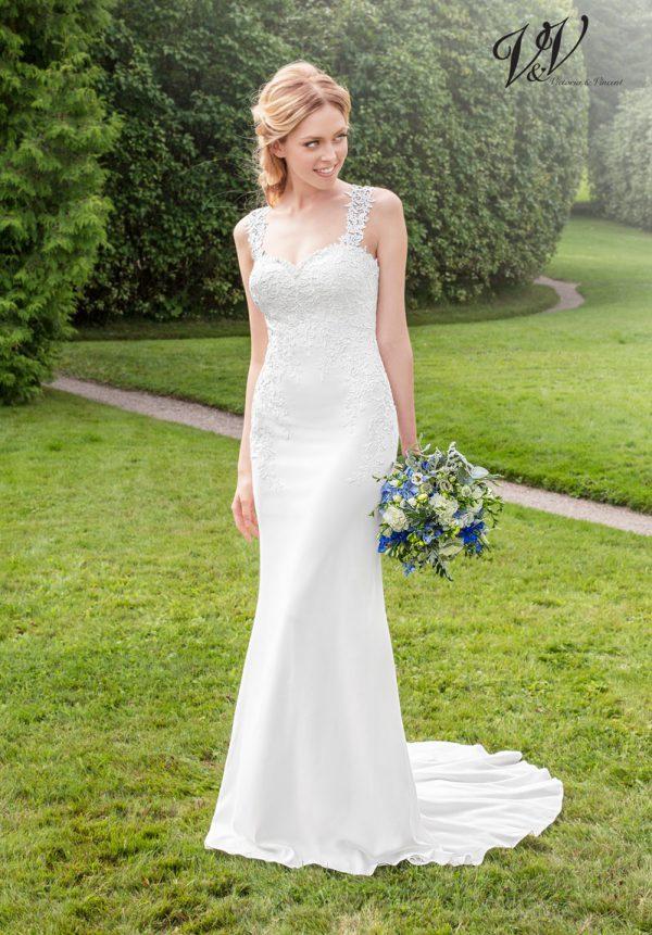 Ein sexy Hochzeitskleid mit offenem Rücken.