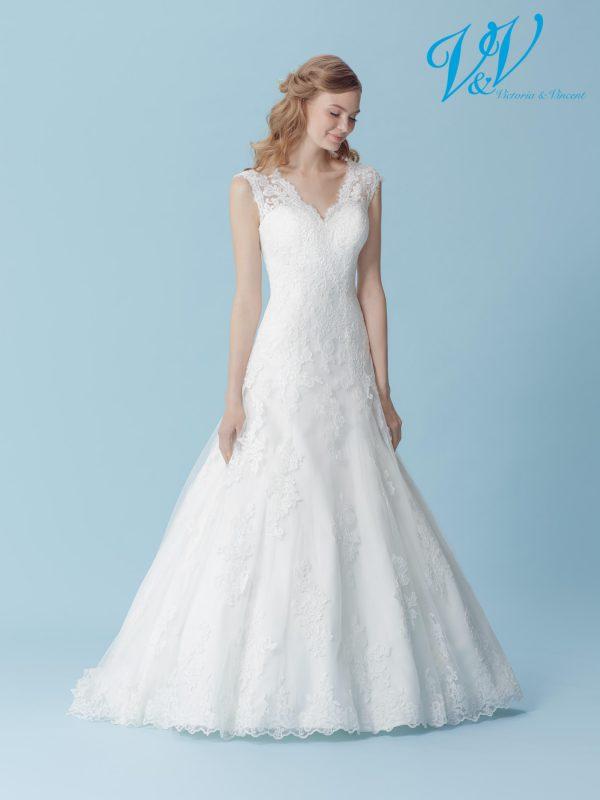 Ein Hochzeitskleid der A-Linie mit V-Ausschnitt. Perfekt für eine kirchliche Hochzeit.