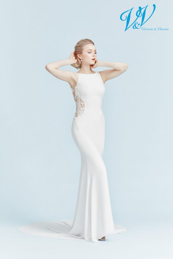 Ein sexy Hochzeitskleid mit Illusion-Rücken aus Spitze. Sehr hochwertige Krepp- Qualität.