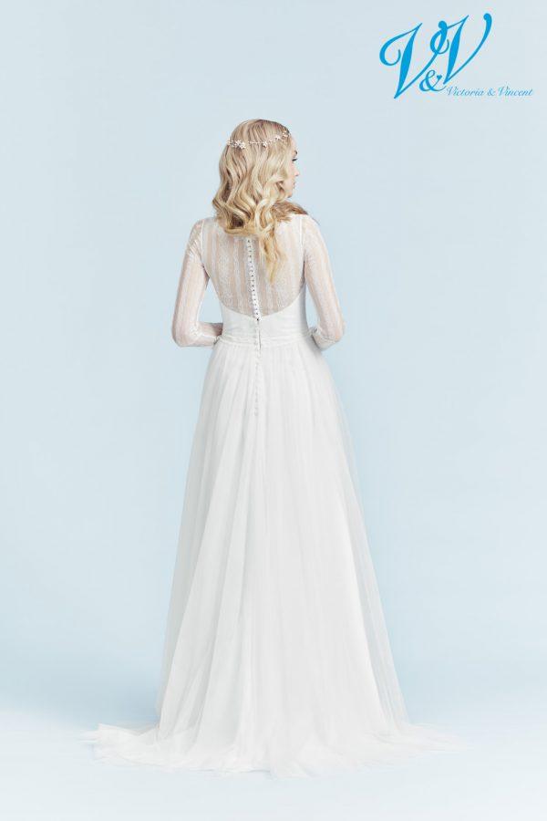 Ein Hochzeitskleid der A-Linie mit langen Ärmeln.