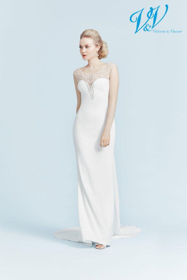 Ein romantisches Hochzeitskleid mit Illusion-Rücken aus Spitze.
