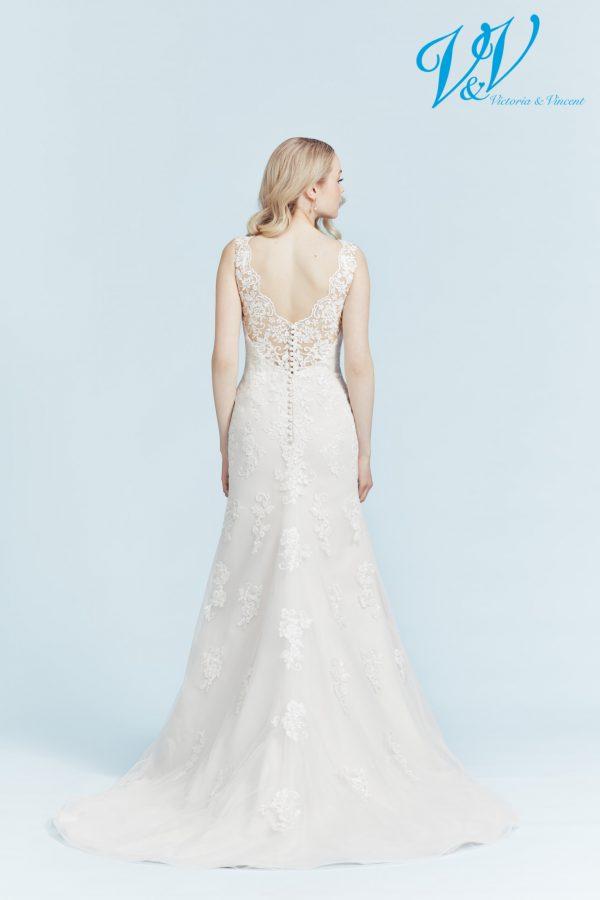 Ein klassisches, figurbetontes Hochzeitskleid. Sehr hochwertige Qualität der Spitze.