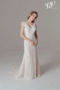 Ein Vintage-Brautkleid mit Etui-Silhouette.