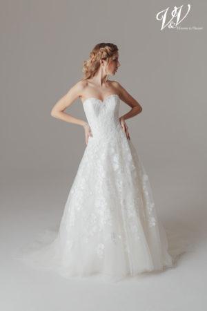 Ein sexy Prinzessin-Hochzeitskleid mit geschnürtem Rücken. Sehr hochwertige Qualität der Spitze.
